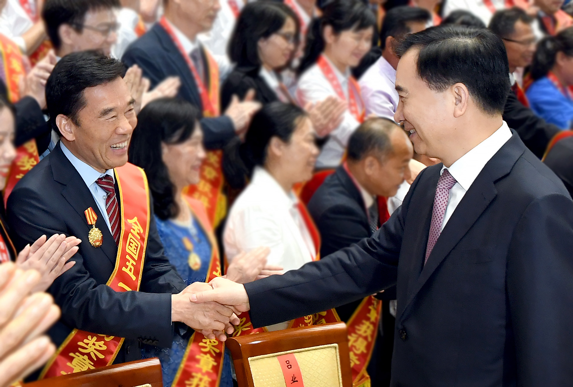 张传卫董事长荣获全国五一劳动奖章