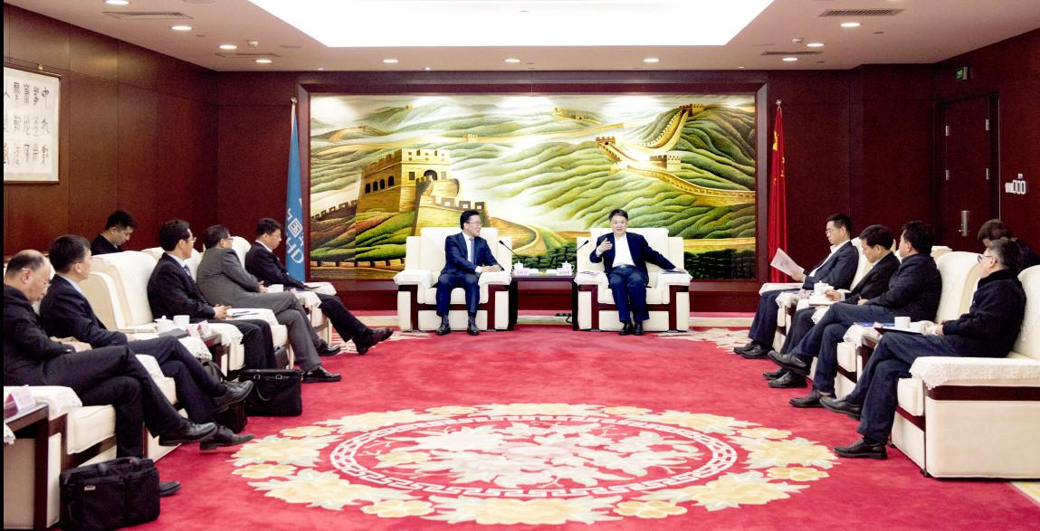 明阳智能董事长张传卫与中国华电集团董事长温枢刚在京会谈2.jpg
